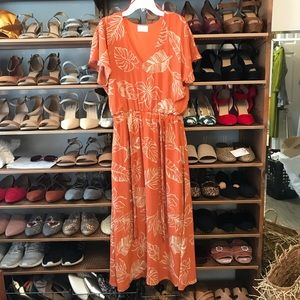 NWT Sienna Sky Salmon Palm Print Midi Dress